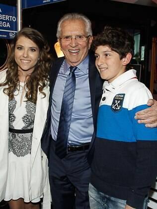 Carlos Alberto de Nóbrega com os filhos