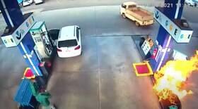 Homem arrasta bomba provoca incêndio em posto de combustível