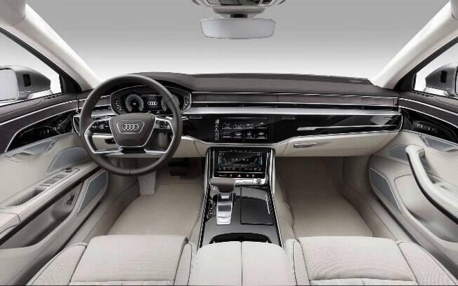 Os visitantes do Salão do Automóvel 2018 poderão ter as suas próprias impressões ao entrar no sedã de luxo
