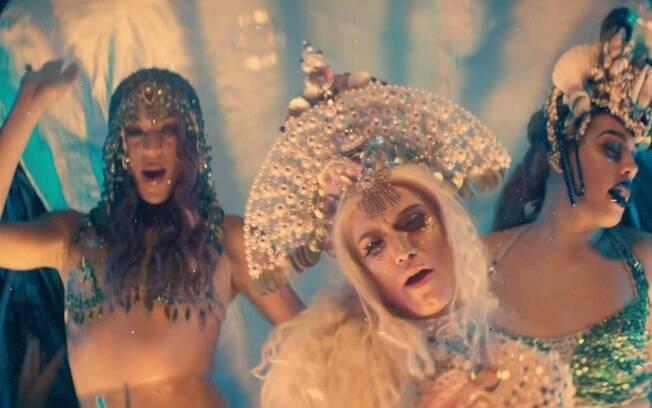 Aretuza Lovi está na programação da MTV durante o mês do Orgulho Gay