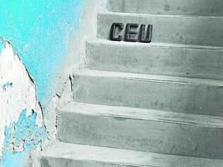 """""""Céu Solo – série Escada palavra"""" da artista Rochelle Costi"""