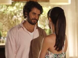 Gabriel e Manu conversam sobre projetos do hotel