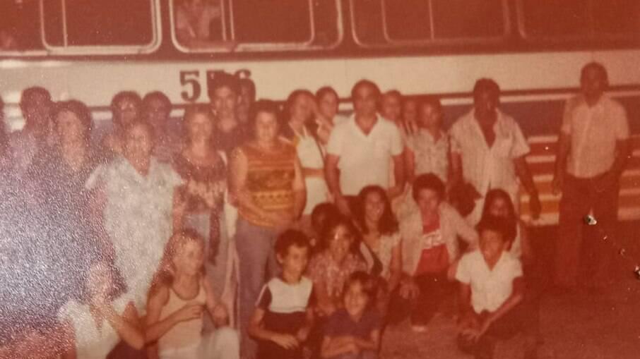 Marlene faz excursões para Aparecida há 40 anos. A foto é de uma das primeiras, realizada em 1980