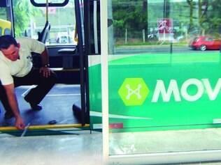 Generalizado. Desnível entre ônibus e estações pode causar tropeções e quedas, além de atrasar viagens dos veículos do Move