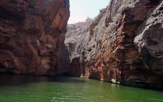 Xingó surpreende visitantes com belas paisagens e paredões rochosos com mais de 60 metros