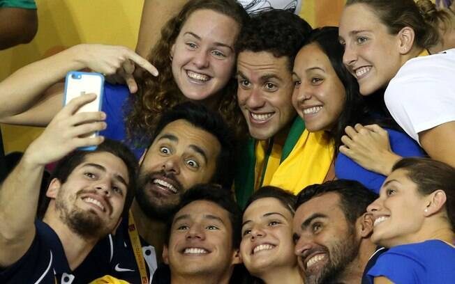 Todo mundo quis uma selfie com Mr. Pan. Foto: Satiro Sodre/SSPress