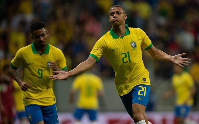 Richarlison marcou um dos gols da seleção brasileira contra o Catar
