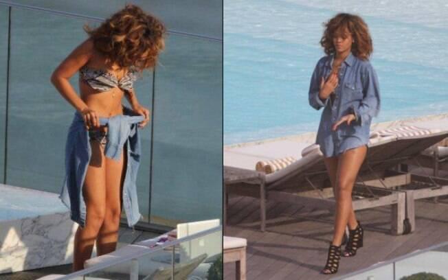 Rihanna não tira a camisa durante a tarde de sol