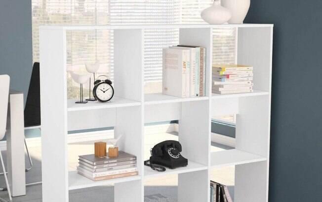 As estantes são versáteis e podem ser utilizadas para armazenar diversos itens, de acordo com cada necessidade