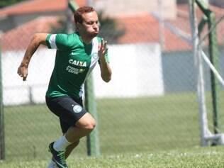 Mesmo sob criticas por ter ajudado pouco no ataque, Zé Eduardo e esperança de gols do Coritiba
