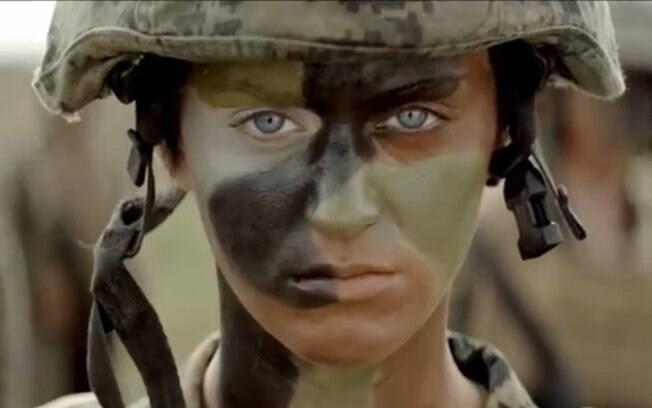 Katy Perry vestida de militar