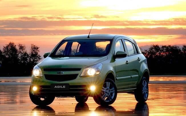 Entre os carros que não agradam no visual, o Chevrolet Agile sofreu pelos faróis desproporcionais