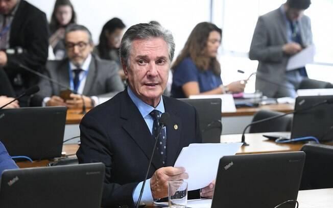 Senador Fernando Collor (Pros-AL) foi denunciado em maio pelo crime de peculato