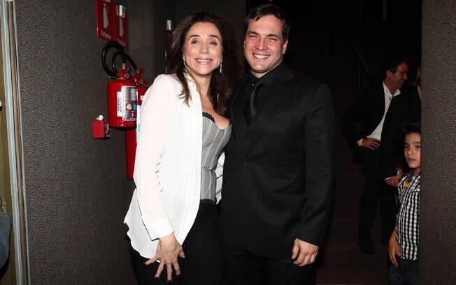 Marisa Orth e Daniel Boaventura na estreia de