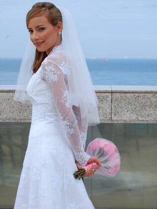 Fernanda vai revender o vestido de noiva e