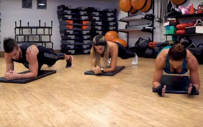 A tradicional prancha não serve somente para o abdômen. O exercício é importante também para fortalecer os músculos