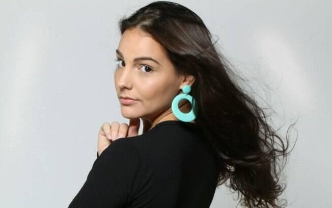 Giulliana Succine faz retorno aos palcos com show de improvisação