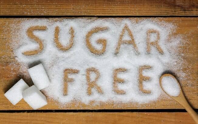Reduzir o consumo de açúcar é outra boa forma de reduzir o nível de triglicerídeos e, consequentemente, de VLDL