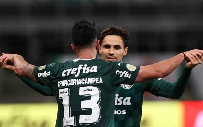 Com 'Lei do Ex', Palmeiras bate o Athletico-PR e volta a vencer pelo Brasileirão