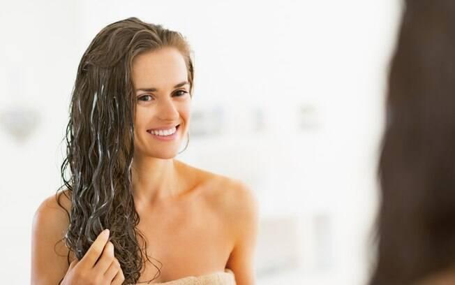 É possível cuidar dos cabelos com receitas fáceis de fazer em casa
