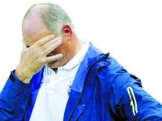 Felipão mostrou extrema irritação com a imprensa após o empate de terça