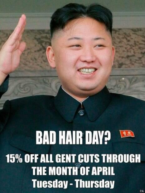 Segundo barbeiro Karim, vários fregueses acharam o anúncio 'hilário'