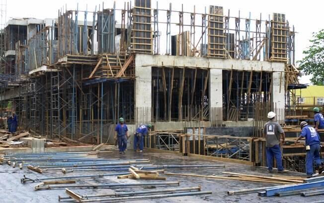Em ritmo de queda menor que o apresentado em maio de 2016, nível emprego na construção civil ficou em 42,7 pontos