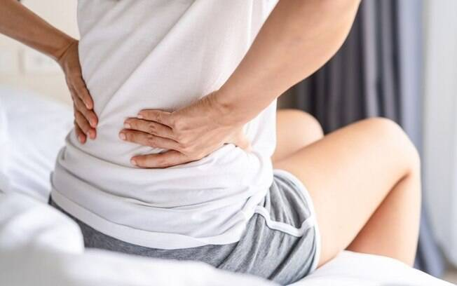 Dores nas costas: 5 explicações para você aprender a lidar definitivamente com o problema