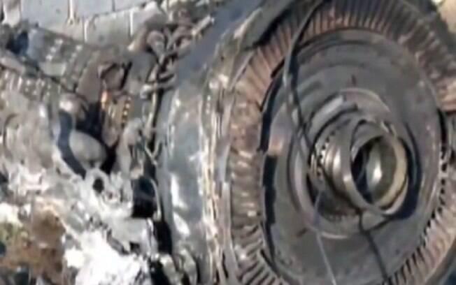 Parte do avião ucraniano que caiu com 176 a bordo no Irã logo após decolar