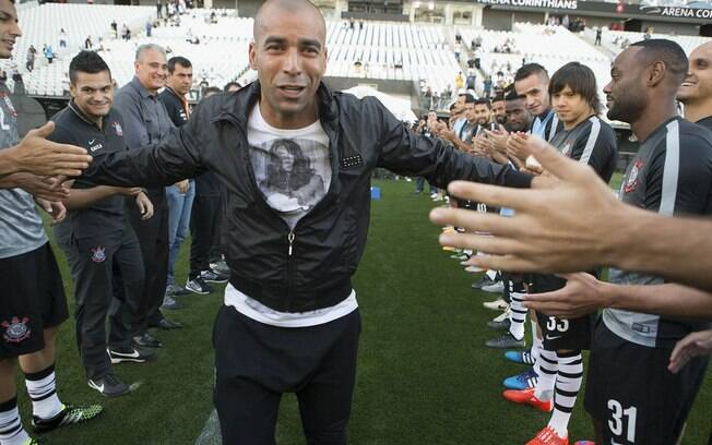 Emerson Sheik se despediu do Corinthians recentemente