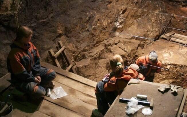 Os vestígios neandertais foram localizados em uma caverna nas montanhas da Sibéria
