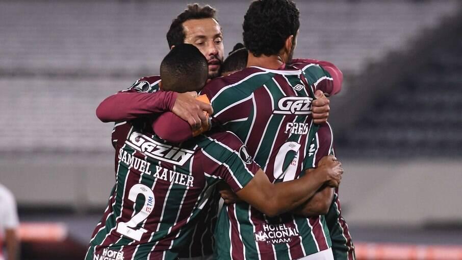 Jogadores do Fluminense comemoram um dos gols da vitória contra o River Plate