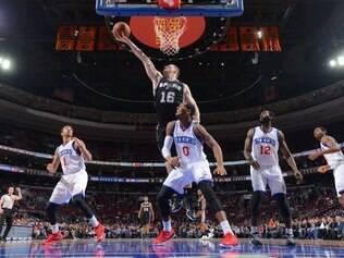 Com 13 triunfos em 17 jogos, o Spurs está na quinta colocação na Conferência Oeste