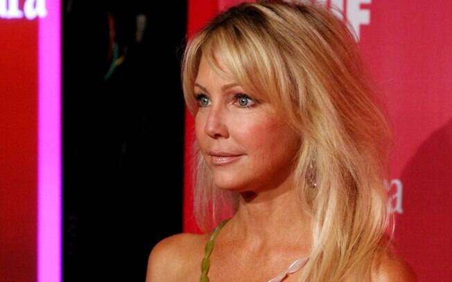 Heather Locklear foi internada por misturar álcool com remédios