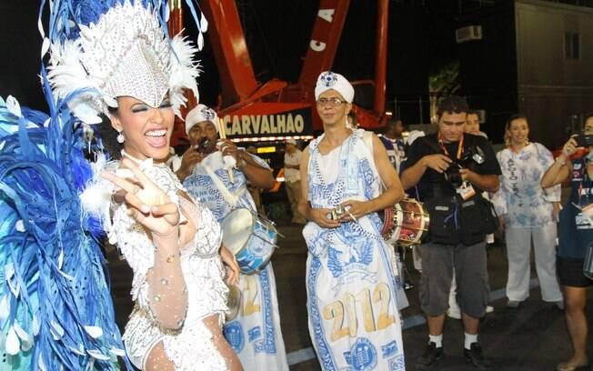 Sheron Mennezes e a Portela promovem festa baiana em plena Avenida: 2012