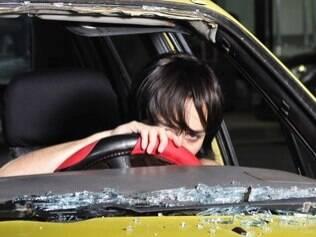 Andrea teve o táxi atingido logo no primeiro capítulo de