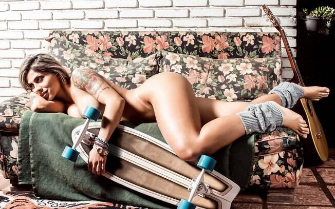 Vanessa Mesquita é a capa da 'Playboy' de julho