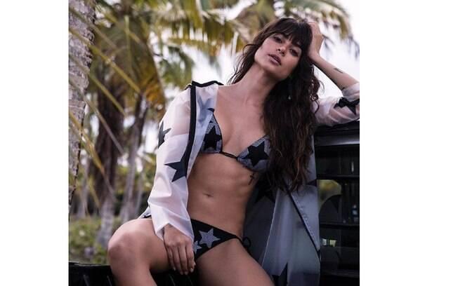 Thaila Ayala faz carão ao compartilhar foto de biquíni e recebe muitos elogios de seus fãs do Instagram