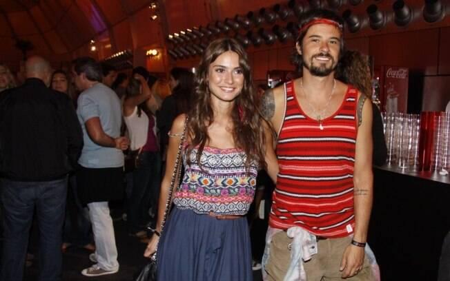 Paulinho Vilhena e Thaila Ayala circularam pela área vip do Rock in Rio, em setembro