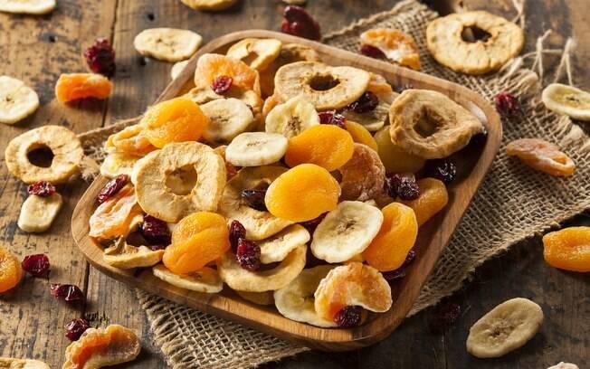 Também é possível desidratar as frutas em casa, e o processo é mais fácil do que parece