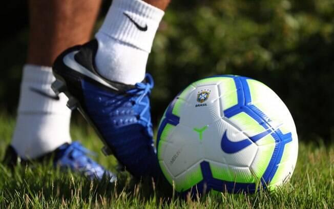 Ministério da Saúde quer ajustes em protocolo para retomar futebol
