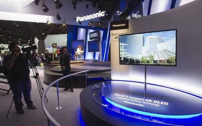 A Panasonic apresentou uma TV OLED com tela de 56 polegadas durante a CES 2013