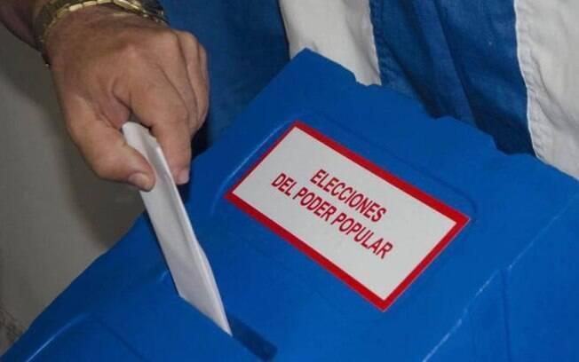 Cuba começou a se despedir de Raúl Castro nas eleições legislativas de domingo, que deram início ao processo de sucessão