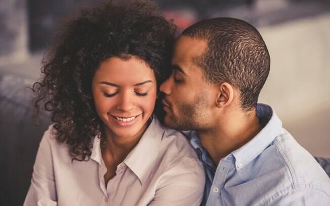 Outra coisa importante é a pessoa demonstrar carinho e amor, seja com palavras ou atitudes – melhor ainda se for os dois
