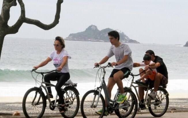 Ana Maria Braga, Marcelo Frisoni e os filhos do empresário, Marcelo e Luiz Henrique