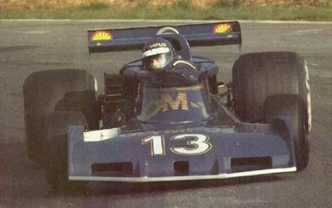 O número 13 é amaldiçoado no mundo da Fórmula 1. Divina Galica%2C uma das poucas mulheres na história da modalidade%2C arriscou usar e acabou fracassando