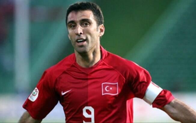 Hakan Sukur não volta à Turquia pois tem mandato de prisão e pode receber pena de morte, caso lei seja restabelecida