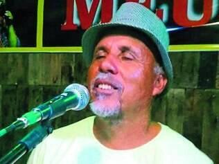 Edinho Cipó-Cravo.  Músico de 56 anos, morador de Contagem, é um apaixonado pelo samba de raiz