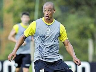 Duas metas.   Anderson Conceição quer ajudar na marcação, mas também deseja fazer gol para a família