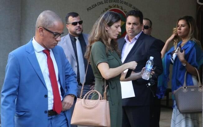 Advogados estiveram na Delegacia de Homicídios de Niterói nesta quarta-feira